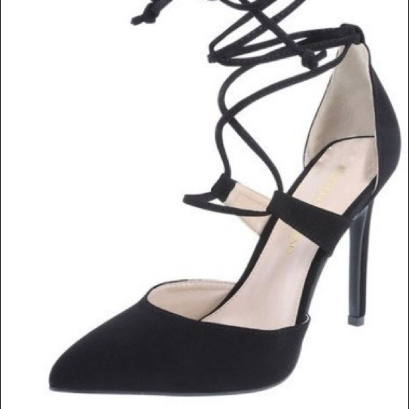 Christian Siriano Shoes - Christian Siriano Heels Lace Up Pump EUC Size 7